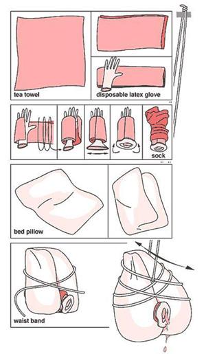 Una almohada como juguete casero. (Foto: Josep Tomás)