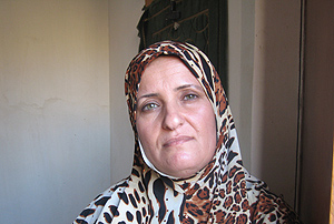 Amira Lefta, original de Diwaniya, posa en su domicilio de Bagdad.