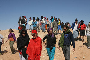 Algunas de las personas que participaron en la protesta. (Foto: José Gomar)