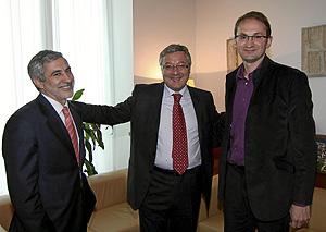 Gaspar Llamazares, José Blancco y Joan Herrrera ante de las reuniones. (Foto: Kike Para)