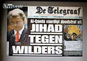 Recorte de prensa en el que se señala al autor del documental como objetivo de los extremistas.