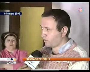 Santiago Del Valle García y su mujer, en 1999. (Foto: Canal Sur)
