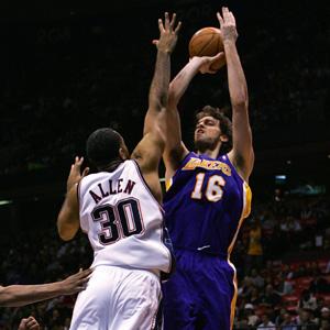 Jugadores de baloncesto en la liga de la NBA. (Foto: Chris Trotman)