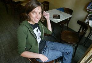La escritora y periodista Llucia Ramis. (Foto: Domènech Umbert