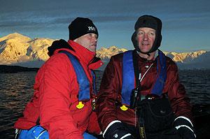 Robert Swan y Peter Malcom en un desembarco.