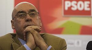 Javier Rojo, en una reunión del PSE, tras las elecciones. (Foto: Pablo Viñas)