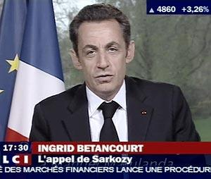 Sarkozy, durante su discurso en televisión dirigido a Marulanda. (Foto: AFP)