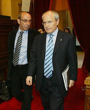 Baltasar y Montilla, momentos antes de comparecer en el Parlament. (FOTO: Antonio Moreno)