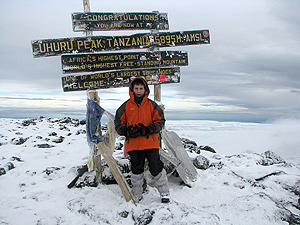 Jordi se sintió el más alto de África en la cumbre del Kilimanjaro, tras ser vitoreado por unos montañeros allí presentes.