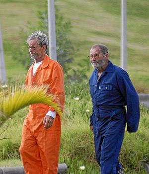 José Quevedo, de naranja, y Cristo Rey Herrera, a su llegada a Tenerife. (Foto: ACFI PRESS)