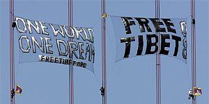 Activistas pro tibetanos en el Golden Gate. (Foto: AP)