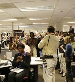 La redacción del Washington Post celebró sus éxitos. (Foto: REUTERS)