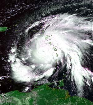 Imagen del huracán Dean del 17 de agosto de 2007 a su paso por la Martinica. (Foto: ESA)