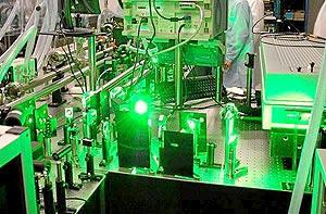 Imagen del láser Texas Petawatt en funcionamiento. (Foto: Universidad de Texas en Austin)