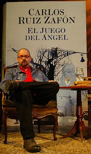 Ruiz Zafón durante la presentación (Foto: Domènec Umbert)