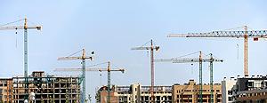 Grúas y edificios en construcción. (Foto: Antonio Heredia)