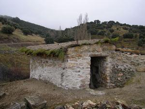 Portal reconstruido en uno de los hornos de cal en la localidad de Vegas de Matute (Segovia). ICAL