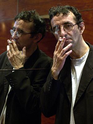Bolaño, en una imagen tomada en 2002. (Foto: Julián Martín | EFE)