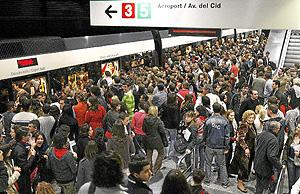 Colapso en el metro, durante una jornada de huelga. (Foto: Alberto Di Lolli)