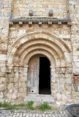 Portada del templo de Santa María del Temple. (Foto: J.M. LOSTAU)