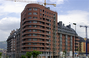 Viviendas en construcción en Bilbao. (Foto: Carlos García)