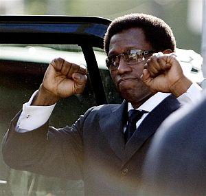 El actor, al abandonar la Corte Federal. (Foto: AP)