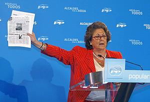 La alcaldesa de Valencia, Rita Barberá, durante su intervención en el encuentro de Orihuela (Foto: EFE).