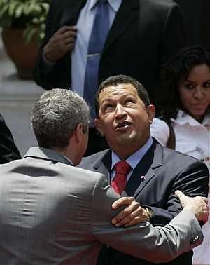 Chávez, durante la reunión con el primer ministro portugués. (Foto: EFE)