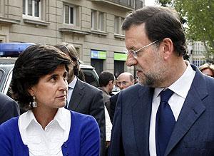 María San Gil y Mariano Rajoy, juntos tras el atentado de ETA en Legutiano. (Foto: AFP)