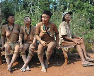 Últimos supervivientes del pueblo indígena de los akuntsu, Brasil. (Foto: Fiona Watson | Survival)