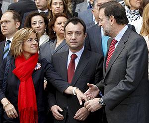 Ana Botella saluda a Mariano Rajoy en un acto. (Foto: EFE)