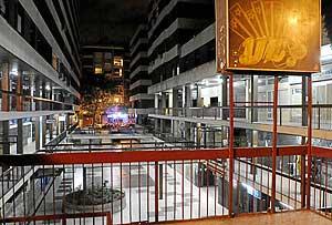 Vista nocturna de la zona de copas de Argüelles.(Foto: Bernardo Díaz)