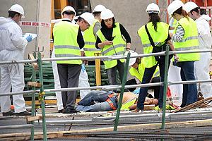 Cuatro personas han muerto tras caer una estructura de las obras del nuevo Mestalla. (Foto: Benito Pajares)
