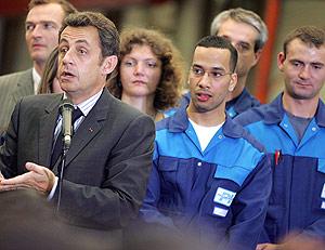 Sarkozy visita la empresa Poclain Hydraulics en Verberie, al norte de Francia. (REUTERS)