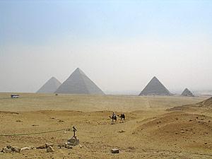 Las pirámides del Valle de Giza. (Foto: Rosa M. Tristán)
