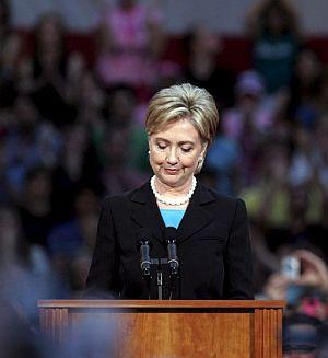 La senadora por Nueva York, Hillary Clinton, anuncia su retirada. (Foto: EFE)