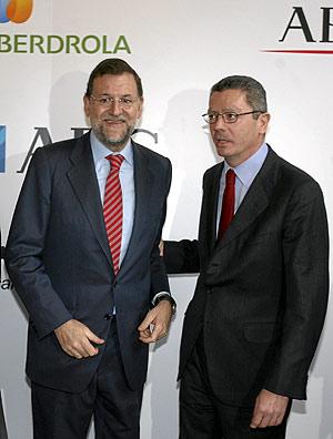 Alberto Ruiz Gallardón, junto a Mariano Rajoy. (Foto: Alberto Cuéllar)