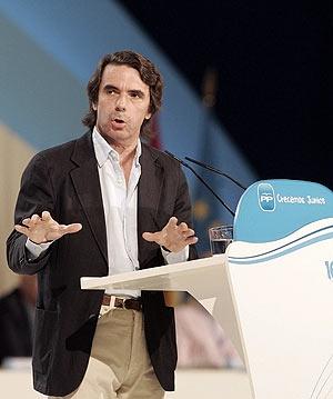 José María Aznar durante su discurso ante el plenario del Congreso. (Foto: REUTERS)