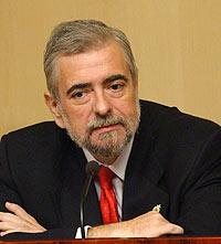 Antonio Beteta ha jurado su cargo como nuevo consejero de Economía y Hacienda. (Foto: Paco Toledo)