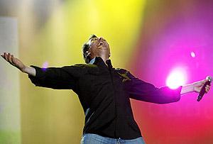 Manolo García, entregado en el escenario de Rock in Rio. (Foto: Alberto Di Lolli)