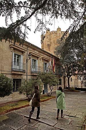 Vista exterior del Centro de Cultura Tradicional de Salamanca. (Foto: ENRIQUE CARRASCAL)