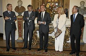 Antonio Fernández-Galiano, Íñigo Méndez de Vigo y Montojo, Pasquale Terracciano, María Victoria Scola y Miguel Antoñanzas Alvear. (Foto: ALBERTO CUÉLLAR)