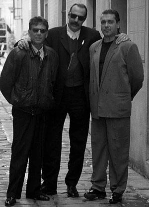 Imagen de los Cantores de Híspalis, con Rafael Ojeda a la derecha. (Foto: Carlos Márquez)
