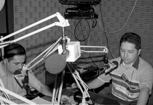 Hoyos Medina, el creador del programa radial que escuchan los secuestrados.