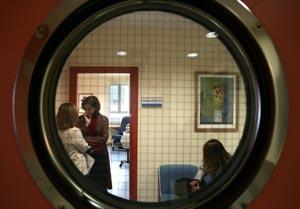 Imagen de una de las salas del Hospital Gregorio Marañón. (Foto: Jaime Villanueva).