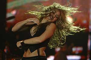 Shakira, en pleno 'show'. (Foto: REUTERS)