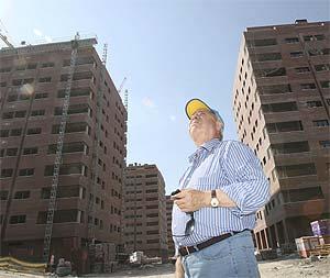 'El Pocero' supervisa la construcción de sus viviendas en Seseña. (Foto: Chema Tejada)
