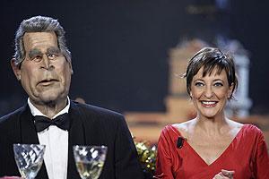 Guiñol de Bush y Eva Hache en las Campanadas de 2005. (Foto: CUATRO)