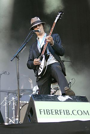 Pete Doherty, líder de Babyshambles, durante su concierto en la segunda jornada del FIB. (Foto: Eugenio Torres)
