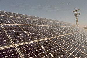 Una de las placas solares de la central fotovoltaica de Toledo. (Foto: Bernardo Díaz)